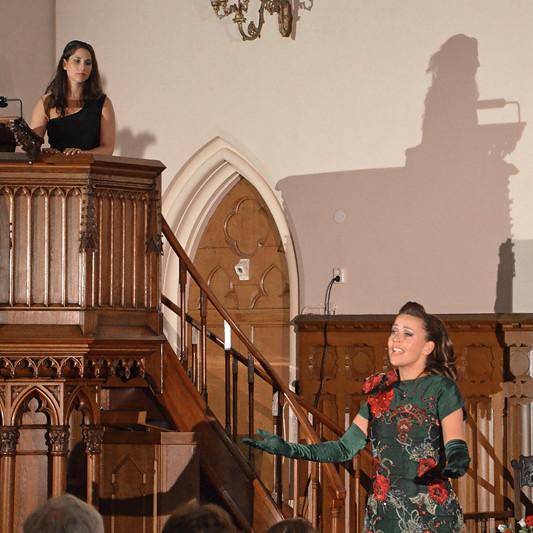 Tamar Niamut en Sandy Kandau laten in de Duitse Kerk zien hoe vaak Bachs muziek gebruikt wordt: van Procol Harum tot Evita.
