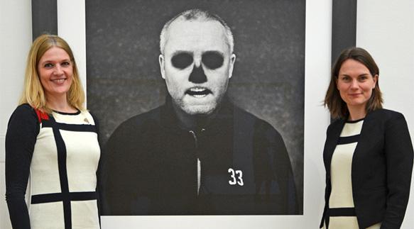 Damien Hirst door Corbijn, Mondriaanjurken door Michael Barnaart van Bergen